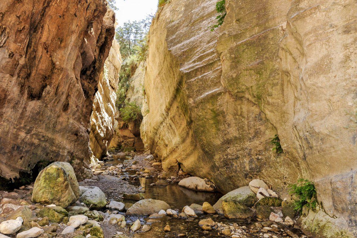 Im Norden von Akamas sind mehrere kleine Schluchten zu finden, Zypern - © Tom Bayer / Fotolia