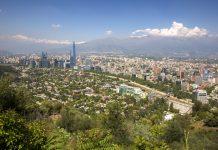 Mit seiner Fläche von 722 Hektar zählt der Parque Metropolitano in Santiago de Chile zu den größten städtischen Parkanlagen der Welt - © Papa Bravo / Shutterstock