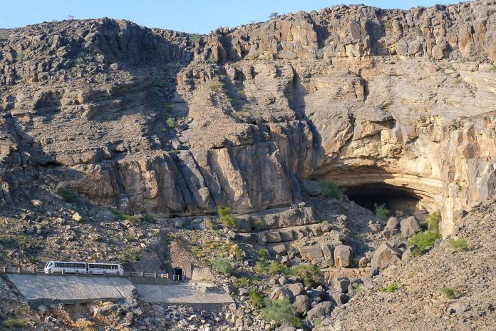 Die Al Hoota Caves liegen in den südlichen Ausläufern des Jebel Akhdar im Hajar-Gebirge im Oman - © Helmut Pfau CC BY-SA3.0/Wiki