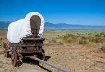 Im Oregon Trail Interpretive Center wird man in die Zeit um 1850 zurückversetzt, als die weißen Pioniere auf dem Oregon Trail durch Nordamerika zogen, um unbekanntes Land zu besiedeln, Oregon, USA - © James Camel / franks-travelbox