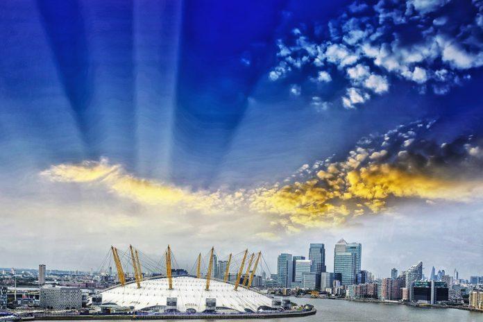 Die gigantische Kuppel der O2-Arena war  in der Eröffnungssequenz des James Bond Films