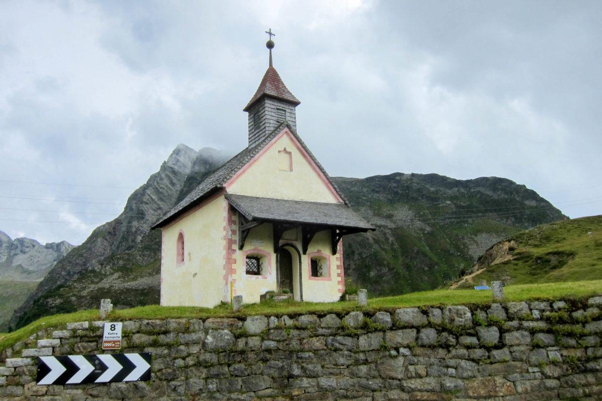 Der Jaufenpass kann als einer der wenigen Pässe Südtirols das ganze Jahr über befahren werden, Italien - © FRASHO / franks-travelbox