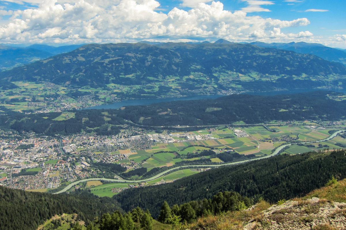 Blick vom Martennock auf die Millstätter Alpe und den malerischen Millstätter See, Österreich - © FRASHO / franks-travelbox