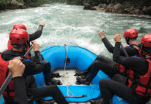 Der Fluss Tara in Europas größter Schlucht bietet die besten Bedingungen für Rafting in Montenegro - © Darko Gavric CC BY-SA3.0/Wiki