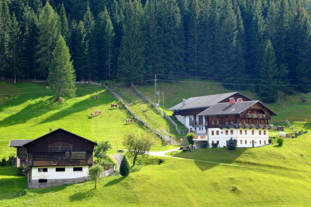 Beim Klang der Stille im Lesachtal, Österreich, einfach den Alltag abschalten und die Akkus von Körper, Geist und Seele wieder aufladen - © FRASHO / franks-travelbox