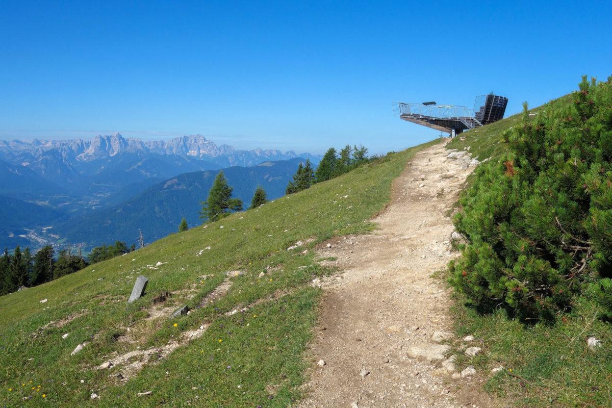 Der Gams- und Gipfelblick im Naturpark Dobratsch liegt 20 Gehminuten vom Gasthof Rosstratte entfernt, Österreich - © FRASHO / franks-travelbox