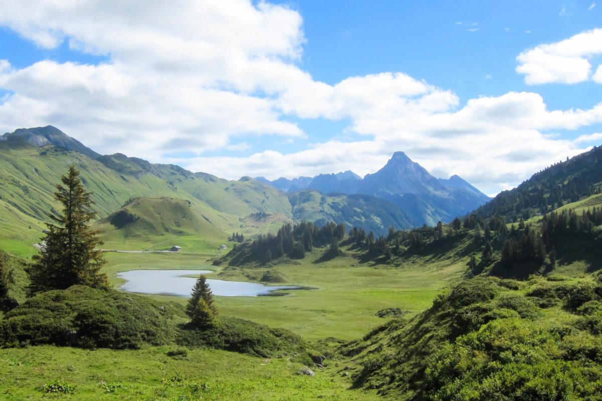 Der Kalbelesee auf 1.653 Metern Höhe ist ein beliebtes Ausflugsziel, Österreich - © FRASHO / franks-travelbox