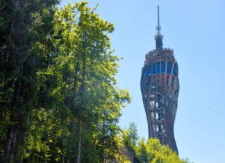 Der Pyramidenkogel ist der welthöchste Aussichtsturm aus Holz und gehört zu den Top Ausflugszielen in Kärnten, Österreich - © FRASHO / franks-travelbox
