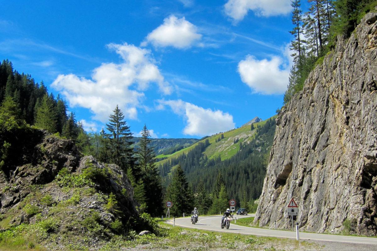 Das Lechtal bietet mit den Allgäuer und Lechtaler Alpen, Wanderwegen, Klettersteigen und Skipisten ein grandioses Urlaubsparadies im Westen Österreichs - © FRASHO / franks-travelbox