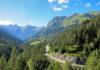Die Hahntennjoch-Passstraße führt auf den gleichnamigen Gebirgspass in Tirol, Österreich, der das Lechtal mit dem oberen Inntal verbindet - © FRASHO / franks-travelbox
