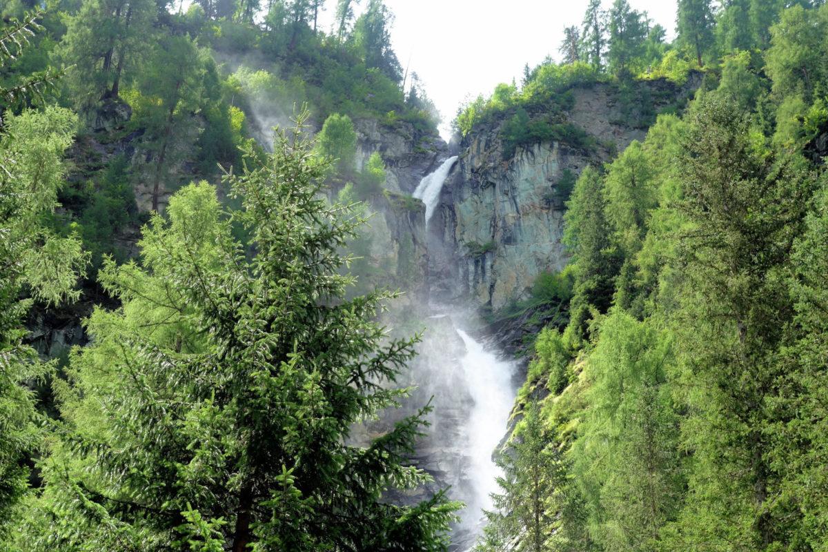 Besonders spektakulär präsentiert sich an den Umbalfällen der Großbachfall, über dem ein ständiger Sprühnebel in der Luft hängt, Österreich - © FRASHO / franks-travelbox