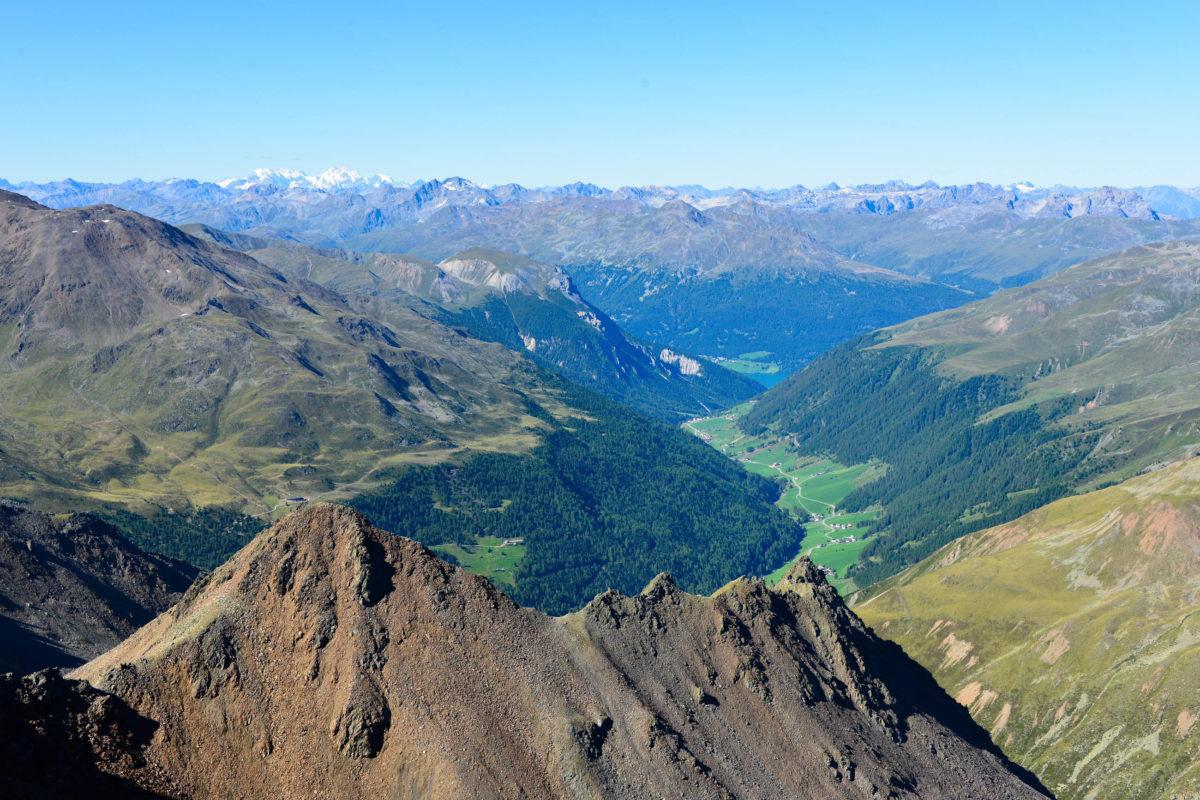 Blick vom Dreiländerblick im Tiroler Kaunertal in Richtung Italien, Österreich - © FRASHO / franks-travelbox