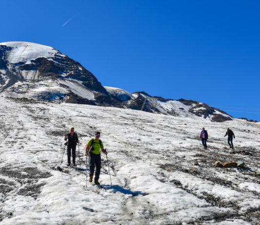 Wanderungen auf dem Ewigen Eis erfolgen auf dem Kaunertaler Gletscher in Tirol, Österreich, auf eigene Faust und ohne Bergsteiger-Erfahrung - © FRASHO / franks-travelbox