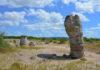 Die Steinsäulen von Pobiti Kamani im Osten Bulgariens sind bis zu 7 Meter hoch und bis zu 3 Metern dick - © FRASHO / franks-travelbox