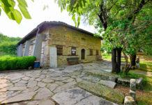 In der Kirche Christi Geburt in Arbanasi, Bulgarien, dürfen sich nur maximal 40 Personen maximal 30 Minuten aufhalten - © FRASHO / franks-travelbox