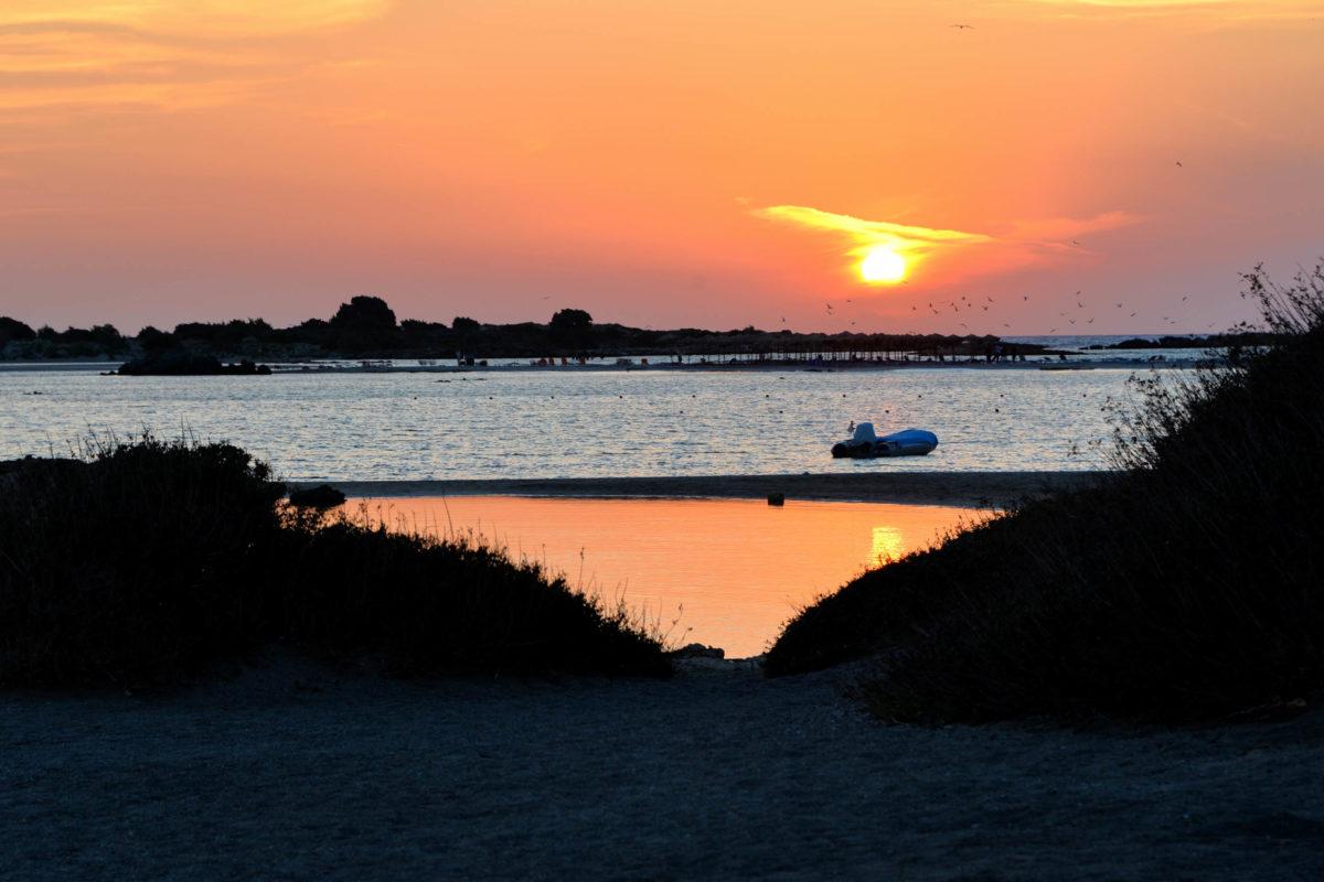 Auch der Sonnenuntergang von Elafonissi ist eine vielbesuchte Sehenswürdigkeit auf Kreta, Griechenland - © FRASHO / franks-travelbox