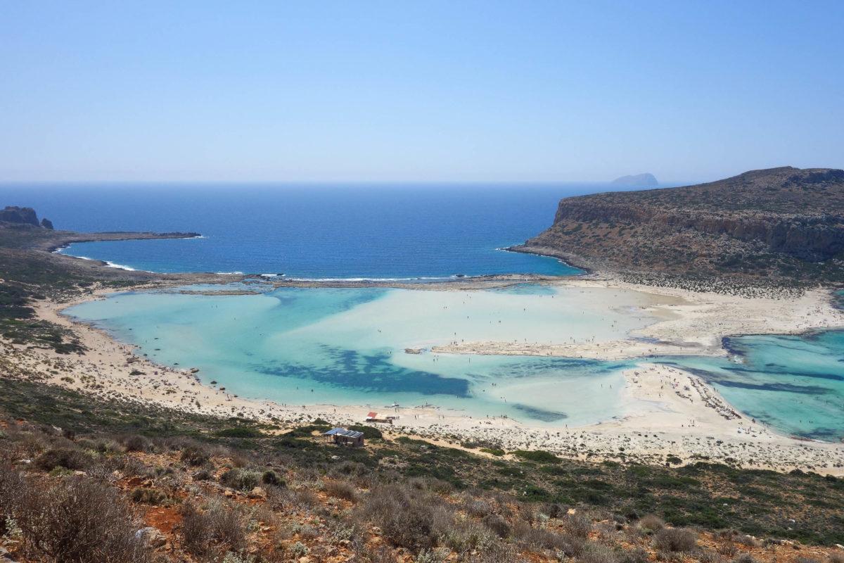 Entlang der felsigen Ufer außerhalb der Lagune von Balos ist das Wasser tiefer und kühler und perfekt für Tauchen und Schnorcheln auf Kreta, Griechenland - © FRASHO / franks-travelbox