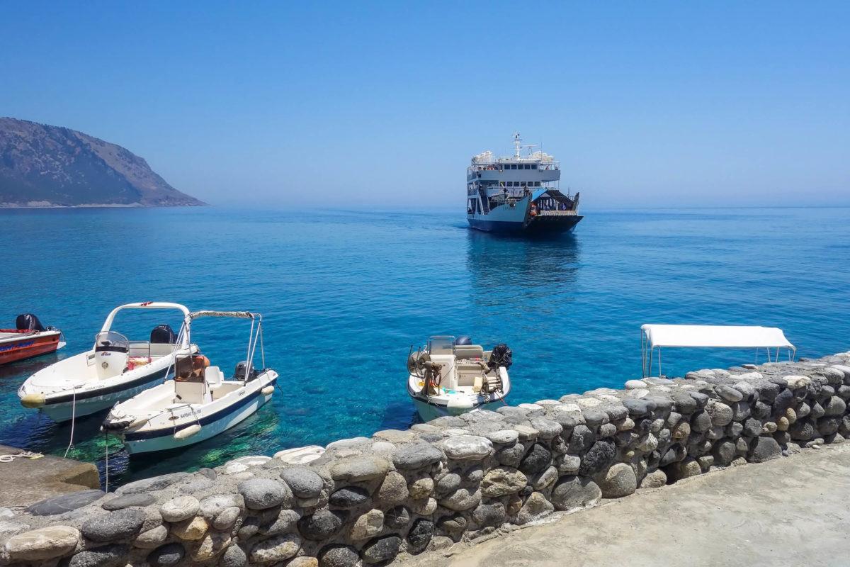 Im kleinen Hafenort Agia Roumeli landet nach der Wanderung durch die Samaria-Schlucht die Fähre nach Chora Sfakion, Kreta, Griechenland - © FRASHO / franks-travelbox