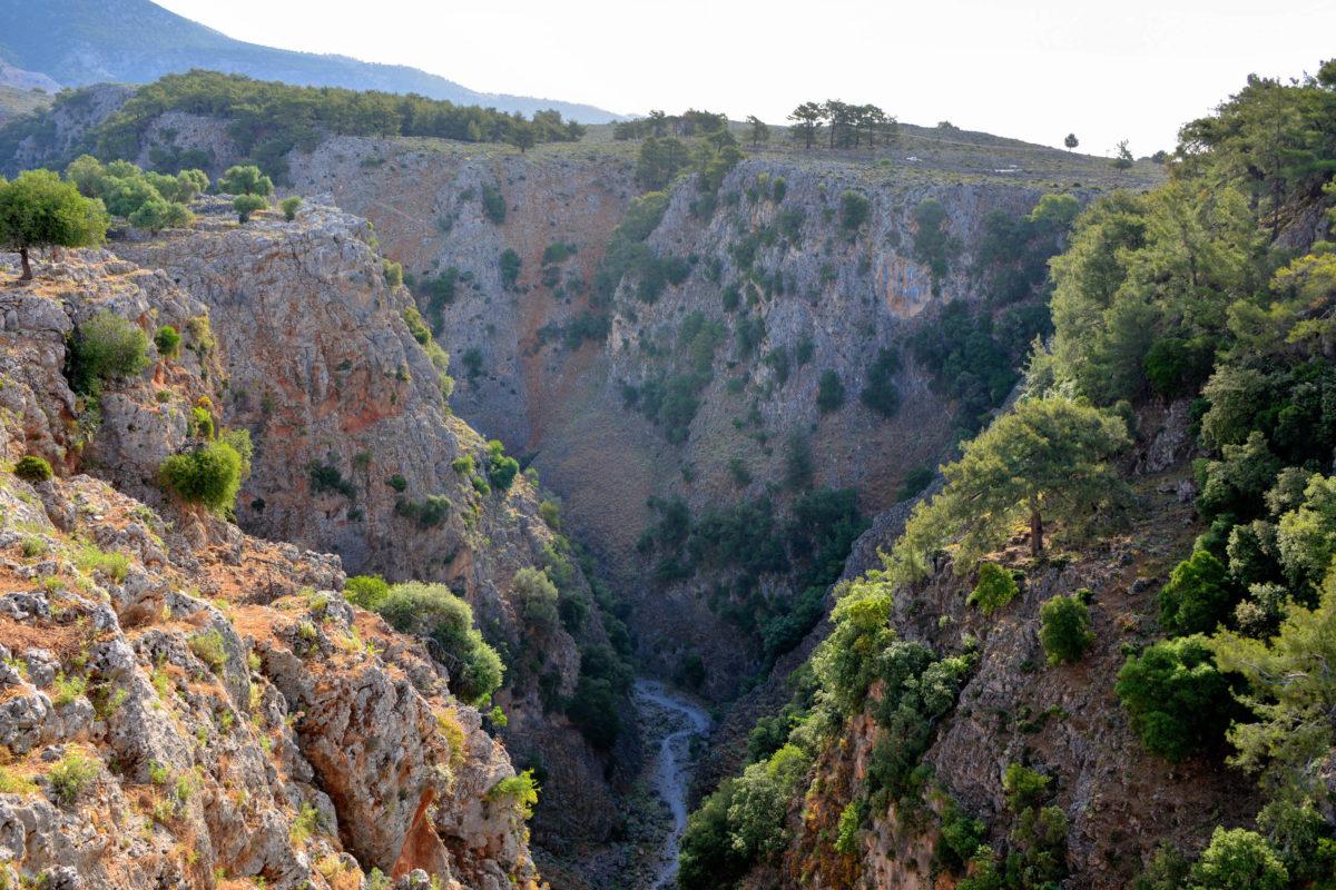 Wettertechnisch ist die beste Reisezeit für die Aradena-Schlucht auf Kreta, Griechenland, von April bis Oktober - © FRASHO / franks-travelbox