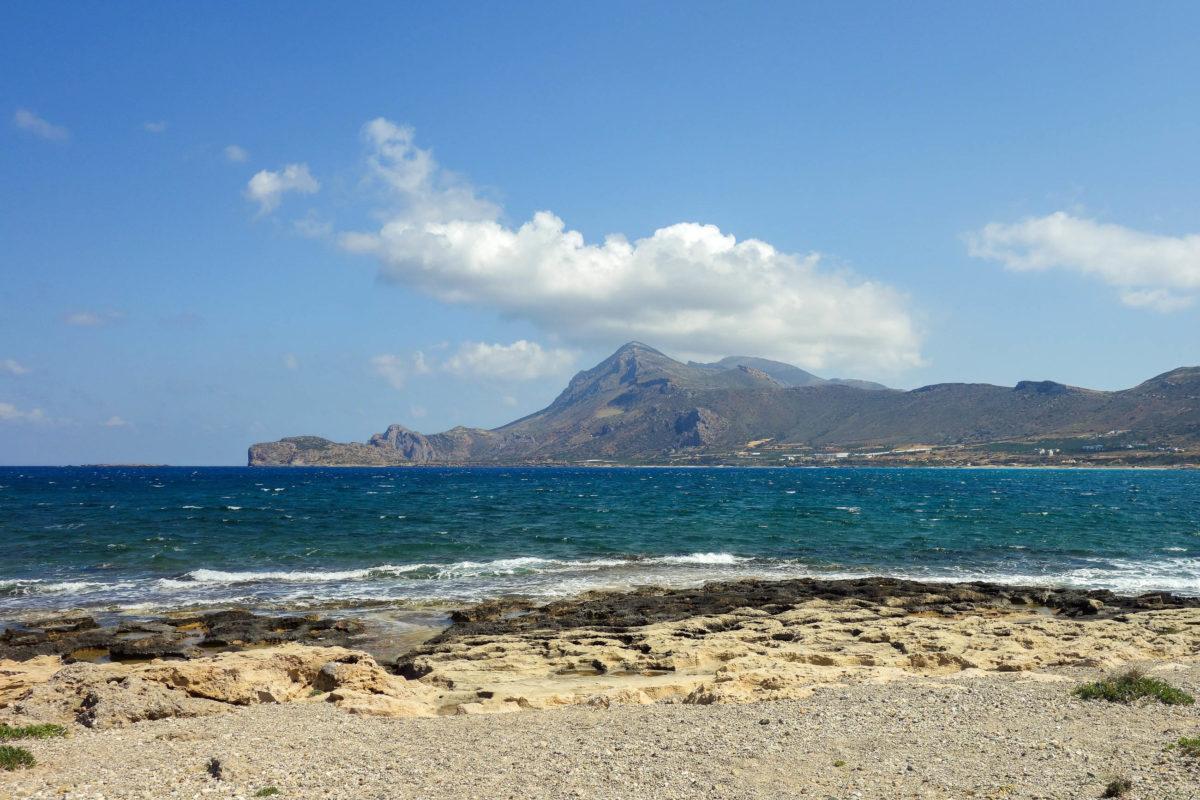"""Der etwa 1km lange und 150m breite Hauptstrand von Falasarna auf Kreta heißt """"Pachia Ammos"""" und ist selten überfüllt, Griechenland - © FRASHO / franks-travelbox"""