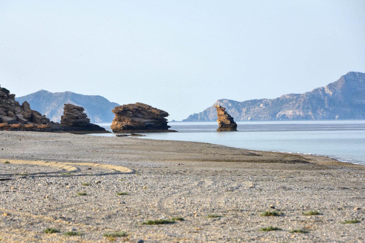 Im Süden von Kreta ist mit dem idyllischen Sandstrand von Triopetra einer der schönsten Flecken der Insel zu finden, Griechenland - © FRASHO / franks-travelbox