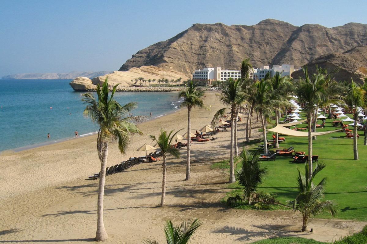 Hotelstrand im Shangri La Komplex südlich von Muscat, Oman - © FRASHO / franks-travelbox