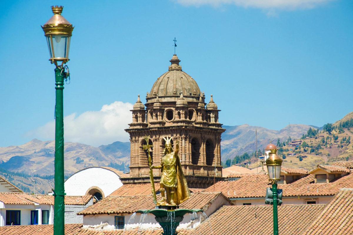 Die Anreise nach Cusco, Peru, erfolgt entweder mit dem Flugzeug über den städtischen Flughafen oder mit dem Bus - © flog / franks-travelbox