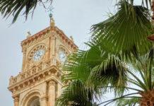 Die Agias Minas Kathedrale in Heraklion auf Kreta, Griechenland, bietet unter ihren rund 30m hohen Glockentürmen Platz für 8.000 Gläubige - © FRASHO / franks-travelbox