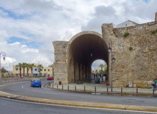 Heraklion, die Hauptstadt Kretas, offenbart inmitten mächtiger Stadtmauern ihre blühende Vergangenheit, Griechenland - © FRASHO / franks-travelbox