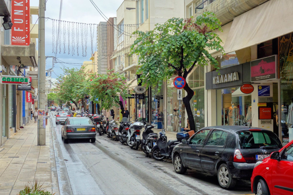 Shops, Cafés, Bars und Tavernen sind in Heraklion, der Hauptstadt Kretas, zur Genüge vorhanden, Griechenland - © FRASHO / franks-travelbox