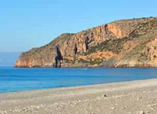 Das winzige Sougia an der Südküste eignet sich perfekt für einen geruhsamen Bade-Urlaub auf Kreta, Griechenland - © FRASHO / franks-travelbox