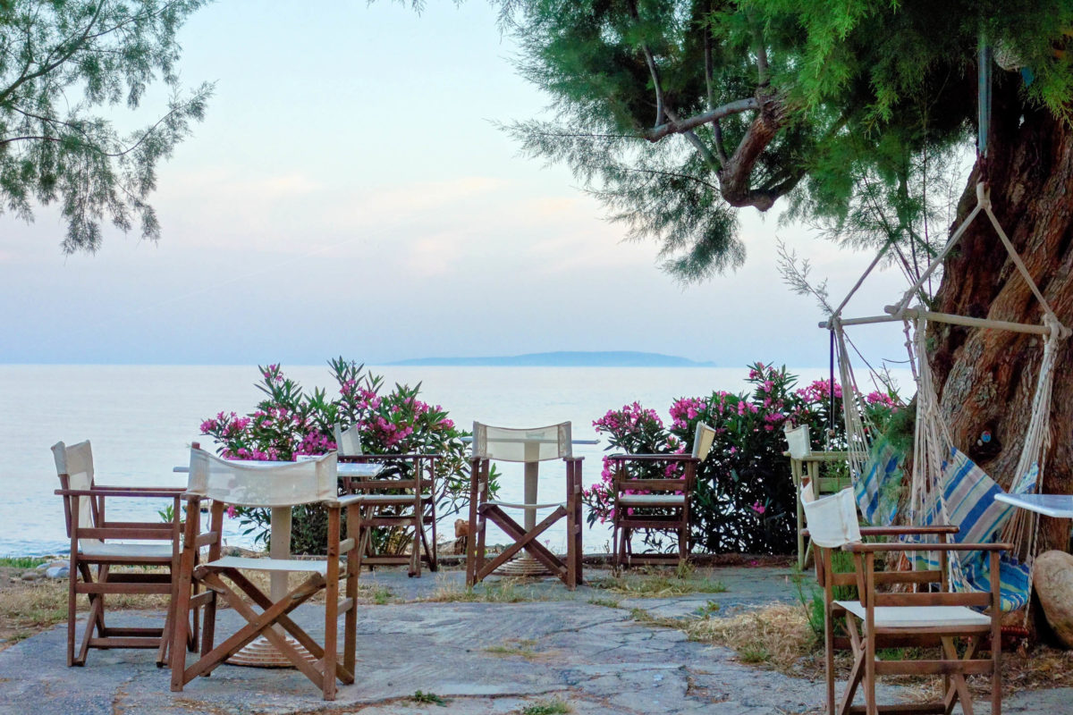 Besonders attraktiv ist auch über Wasser die absolute Ruhe, die der Strand von Lykos im Süden von Kreta bietet, Griechenland - © FRASHO / franks-travelbox
