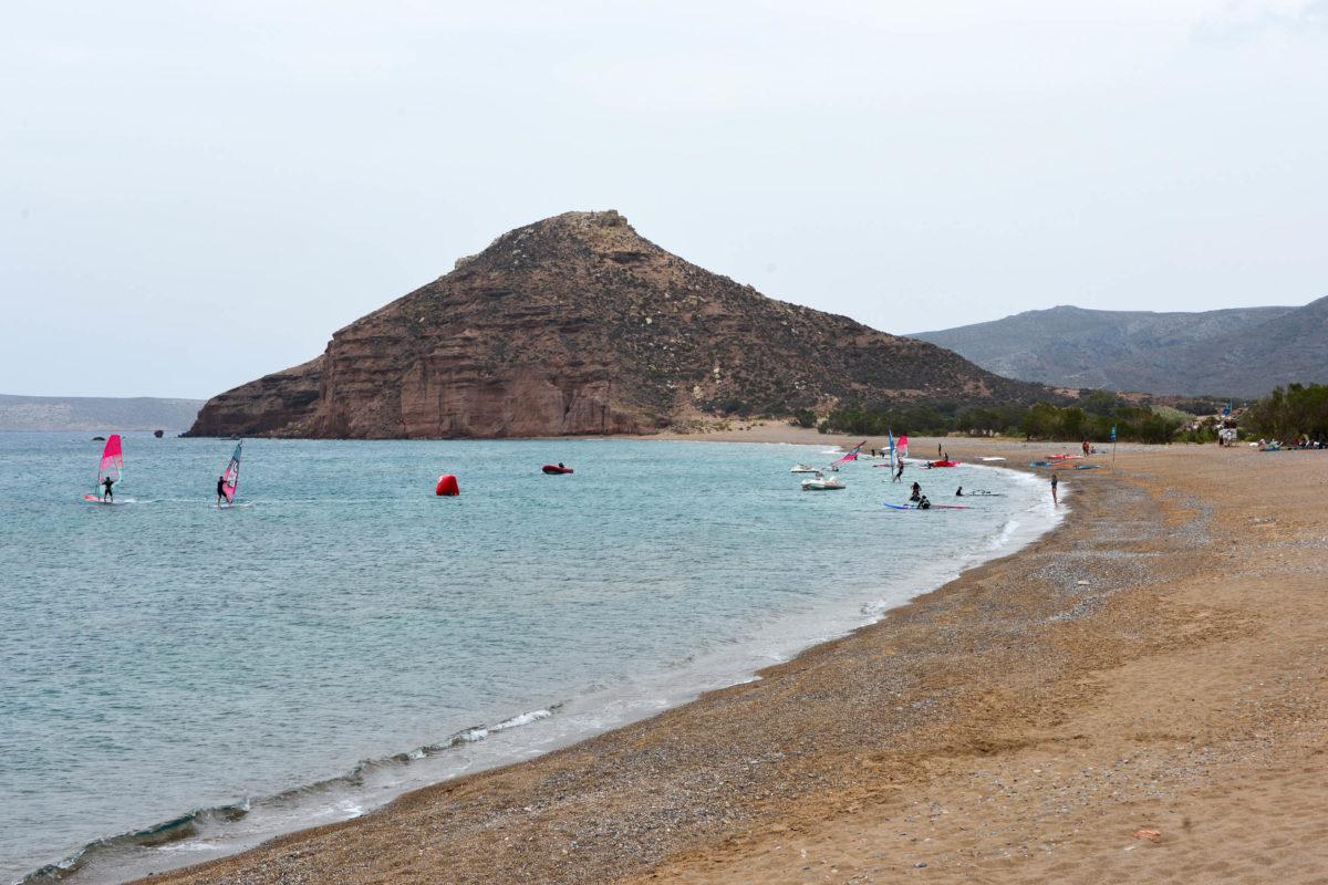 Der Strand von Kouremenos ganz im Westen von Kreta, Griechenland, zählt zu den besten und windsichersten Surf-Spots Europas - © FRASHO / franks-travelbox