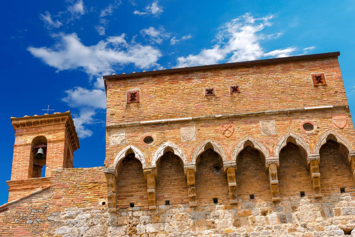 Ihren Ausgangspunkt nimmt die Via Appia an der Porta San Giovanni, Rom, Italien - © Alberto Masnovo / stock.adobe.com