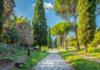 Mit der antiken Via Appia existieren noch heute Teile einer Römerstraße, die seit dem ersten Spatenstich die Geschicke des antiken Roms mitgestaltet hat, Italien - © Martina / stock.adobe.com