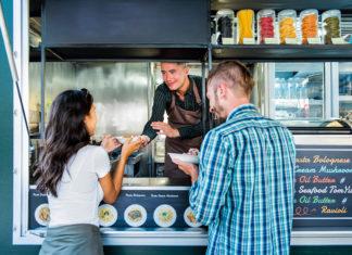 Köstliche Gerichte gibt es auf der ganzen Welt - © kritchanut / stock.adobe.com