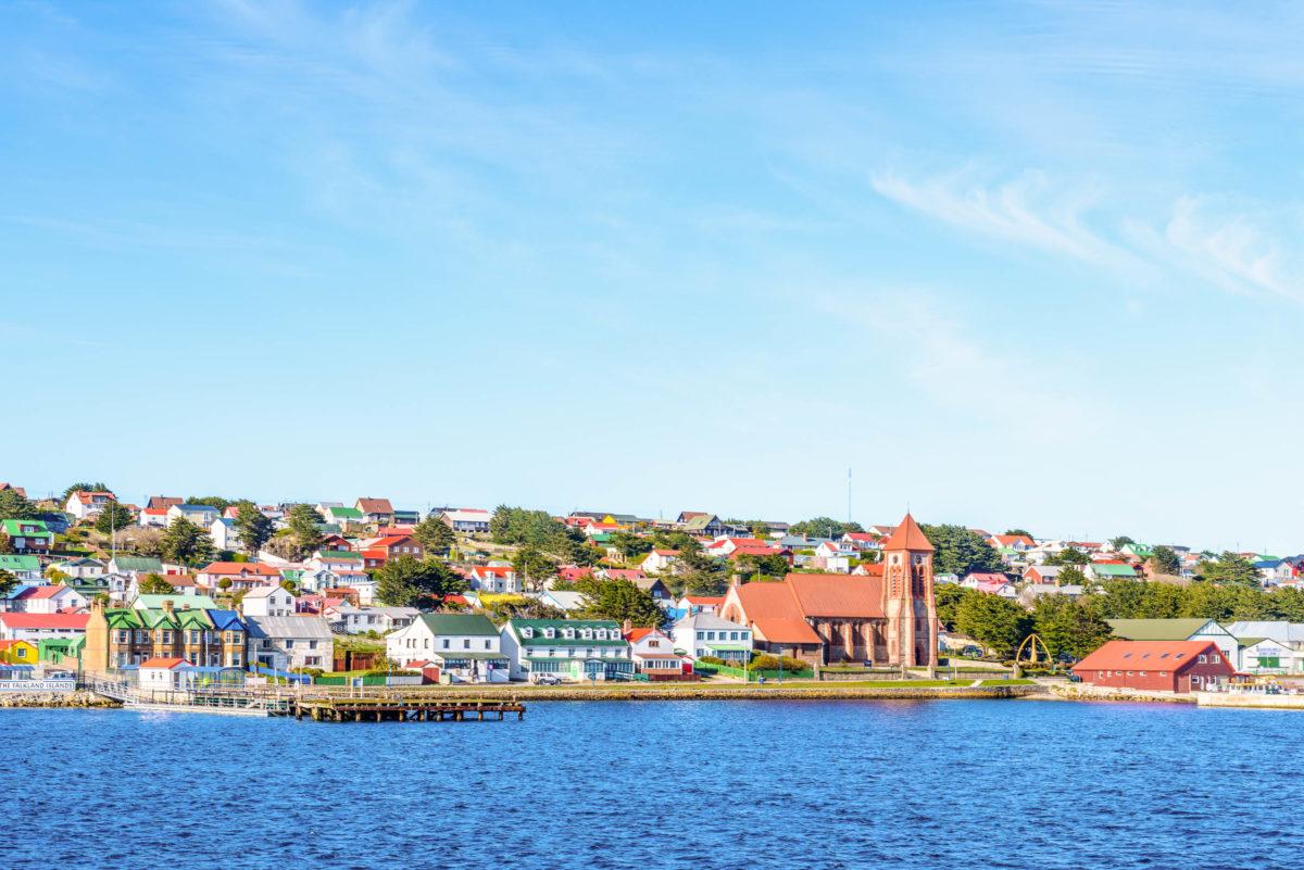 Stanley hat als größte Stadt der Falklandinseln ca. 2200 Bewohner, Großbritannien - © siempreverde22 / stock.adobe.com