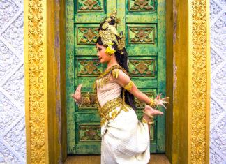 Apsara Tänzerin bei einem Auftritt, Laos - © kagemusha / Fotolia