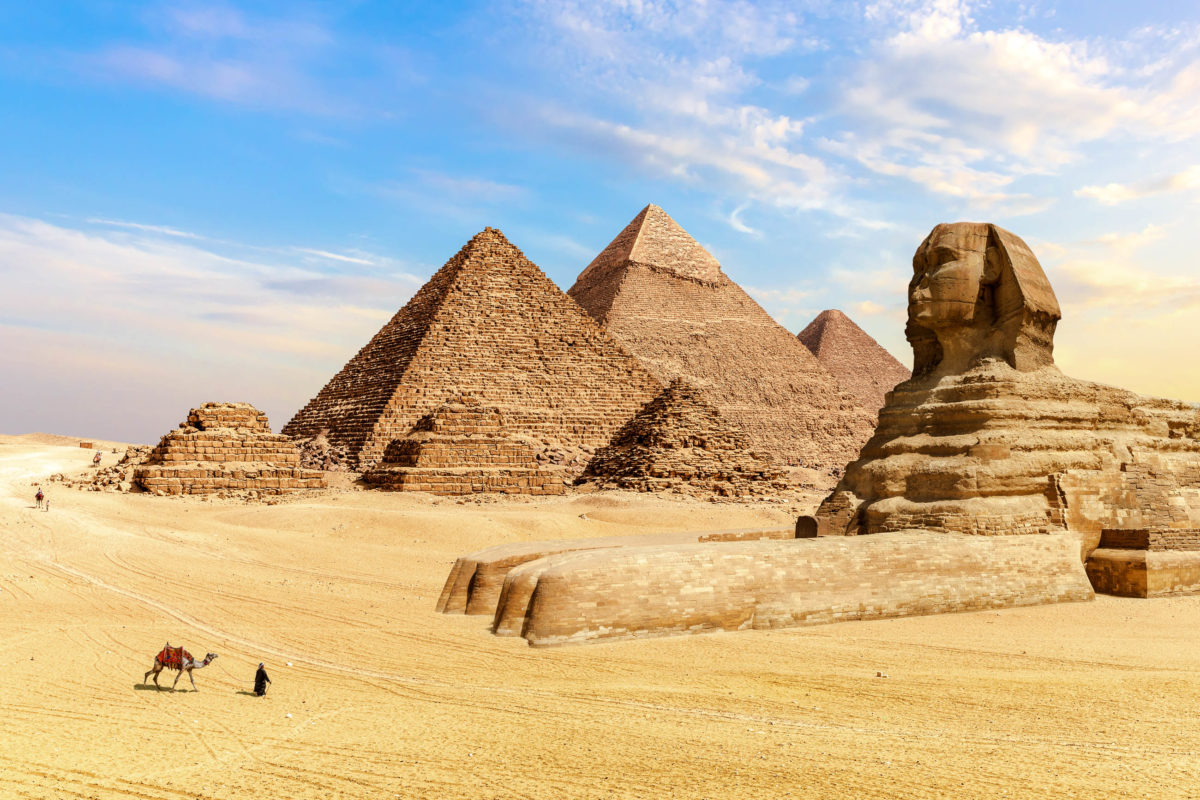 Cheops und Chefren sind die größten und wohl auch bekanntesten der Pyramiden von Gizeh, Ägypten - © AlexAnton / Shutterstock