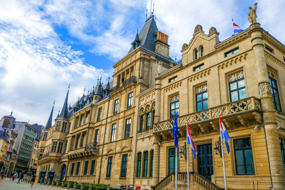 Der Großherzogliche Palast von Luxemburg wird vor allem für Staatsempfänge und als Bürogebäude genutzt - © Jesus Barroso / Shutterstock