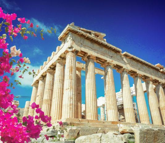 Der Parthenon ist der Pallas Athena Parthenos, der griechischen Göttin der Weisheit und Stadtgöttin Athens, geweiht, Griechenland - © Neirfy / Shutterstock