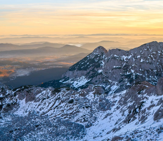 Der 2.523m hohe Bobotov Kuk gilt als Dach von Montenegro und die Königsdisziplin der montenegrinischen Bergtouren - © Inna Gritsinova / Shutterstock