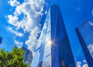 Das neue One World Trade Center wurde am 3. November 2014 eröffnet und ist mit einer Höhe 541 Metern das höchste Gebäude New Yorks, USA - © Pit Stock / Shutterstock