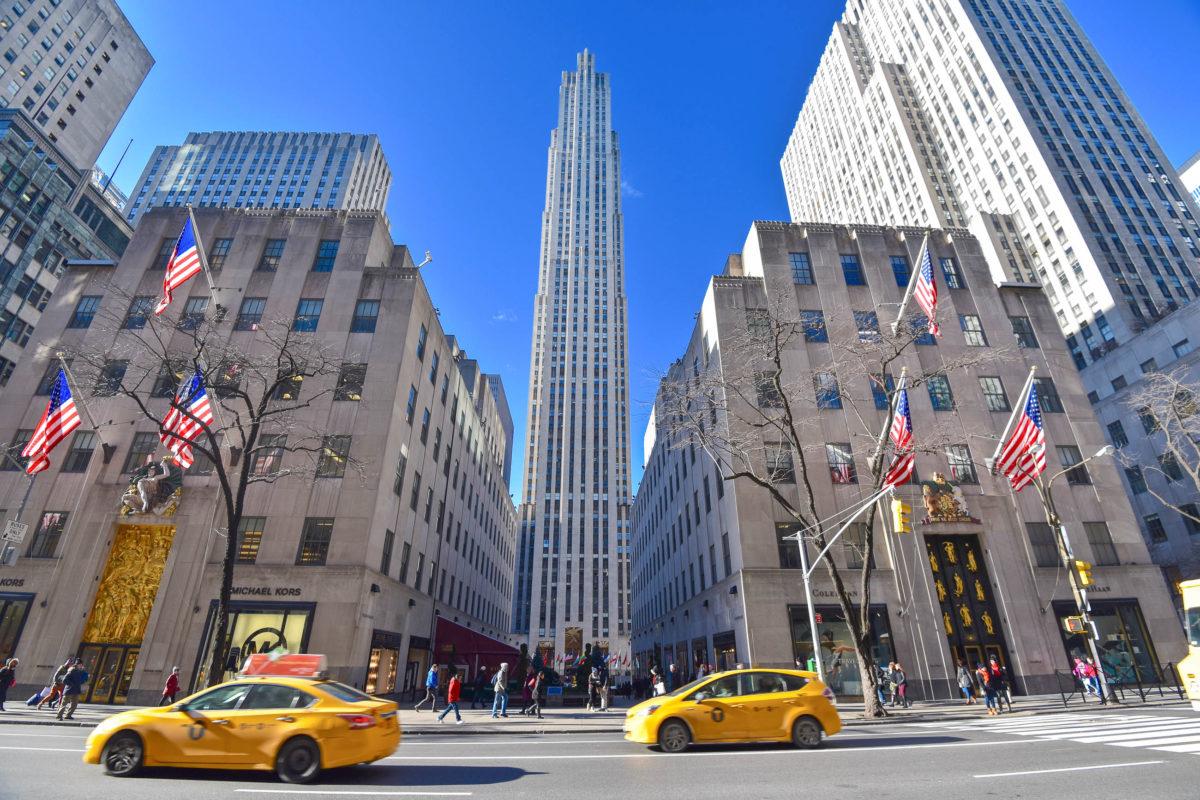 Das Rockefeller Center besteht aus 21 Wolkenkratzern und gehört zu den Top Aussichtspunkten von New York City, USA - © Rafael Xavier / Shutterstock
