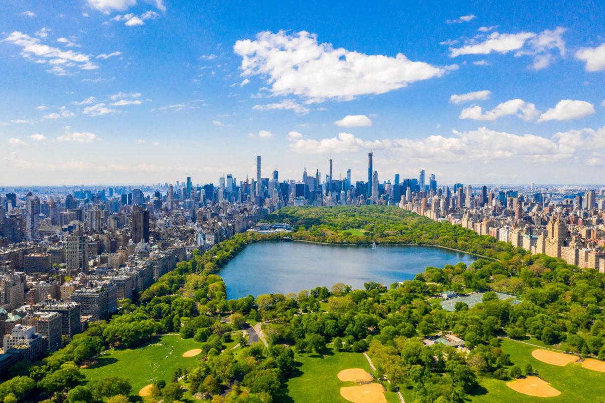 Der Central Park ist das Naherholungsgebiet der New Yorker und ist ca. 4km lang und 800m breit, USA - © Ingus Kruklitis / Shutterstock