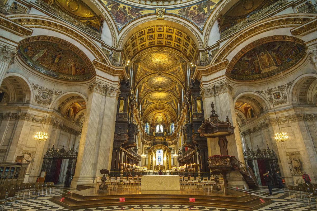 Die St. Paul's Cathedral in der britischen Hauptstadt London ist die Kathedrale der Diözese London der Anglikanischen Kirche - © Pit Stock / Shutterstock