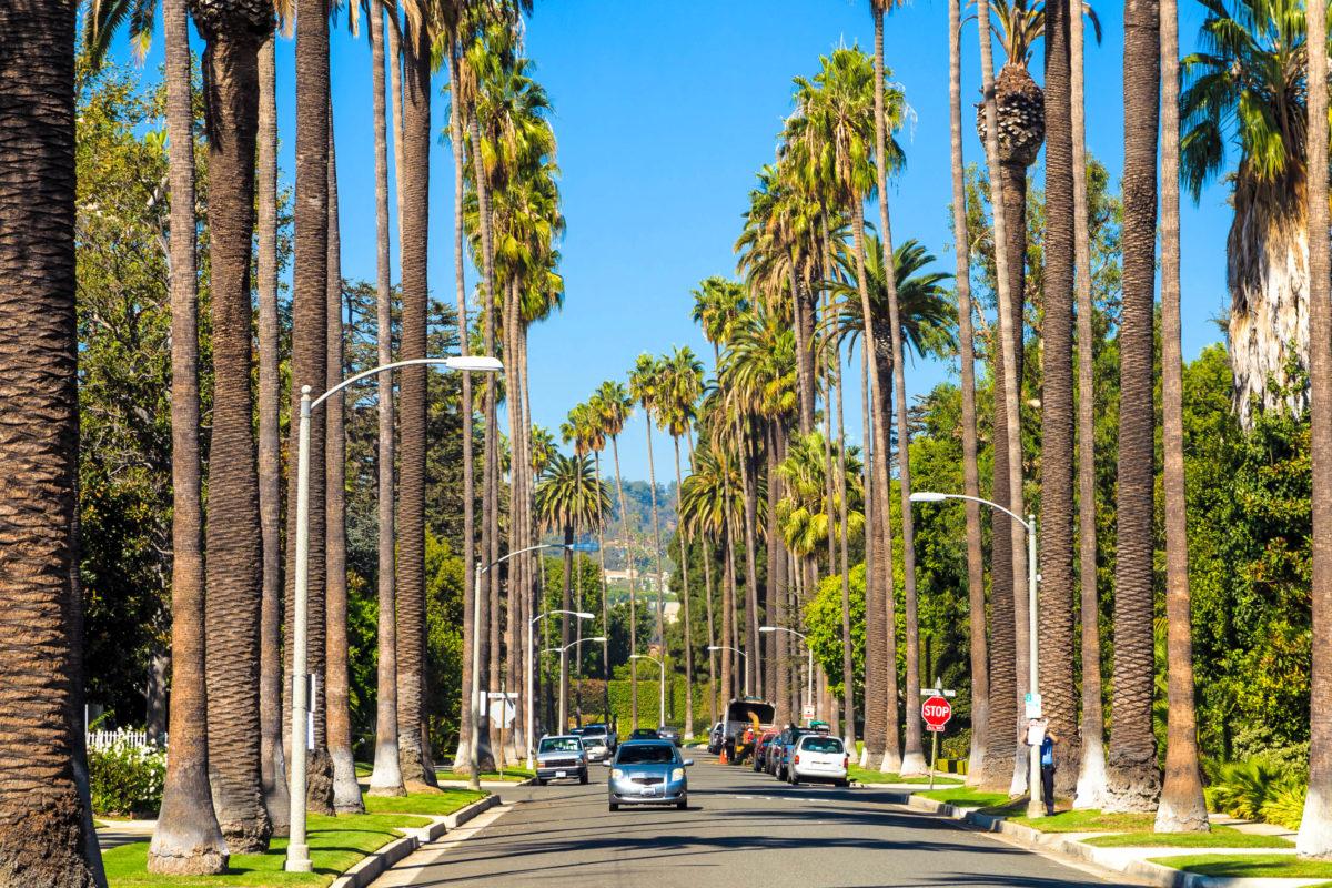 Im Stadtteil Beverly Hills in Los Angeles, wohlbekannt aus Film und Fernsehen, residieren die Schönen und Reichen der Entertainment-Industrie, USA - © f11photo / Shutterstock