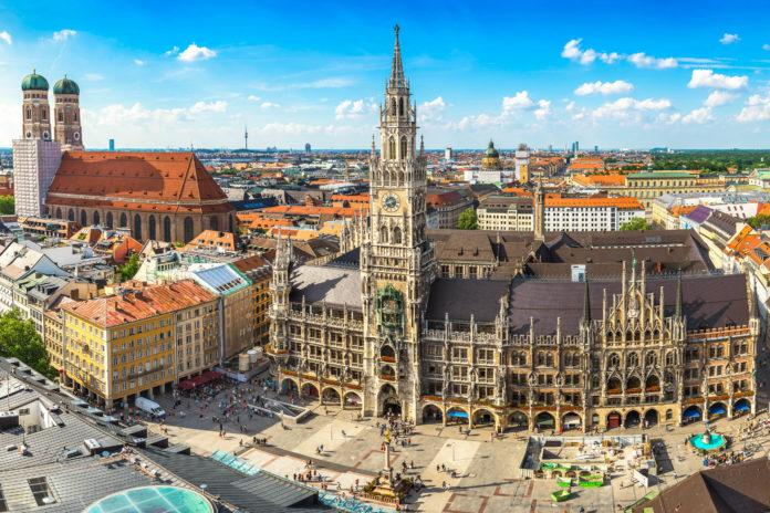 Mit einer langen und bewegten Geschichte ist München für Reisende aus aller Welt ein spannender Anlaufpunkt, Deutschland - © Noppasinw / stock.adobe.com