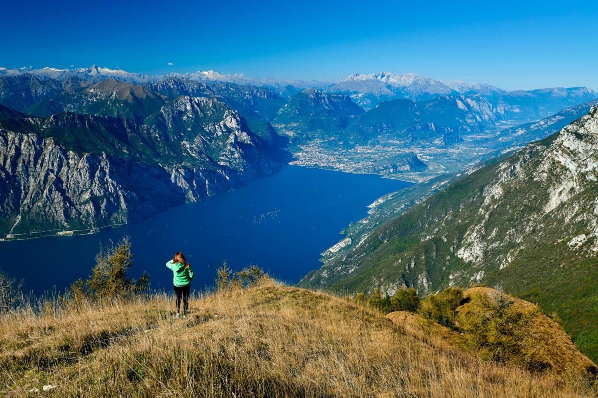 Im Norden des Gardasees versprechen Klettersteige rund um den Monte Baldo atemberaubende Ausblicke, Italien - © Danny Iacob / Shutterstock
