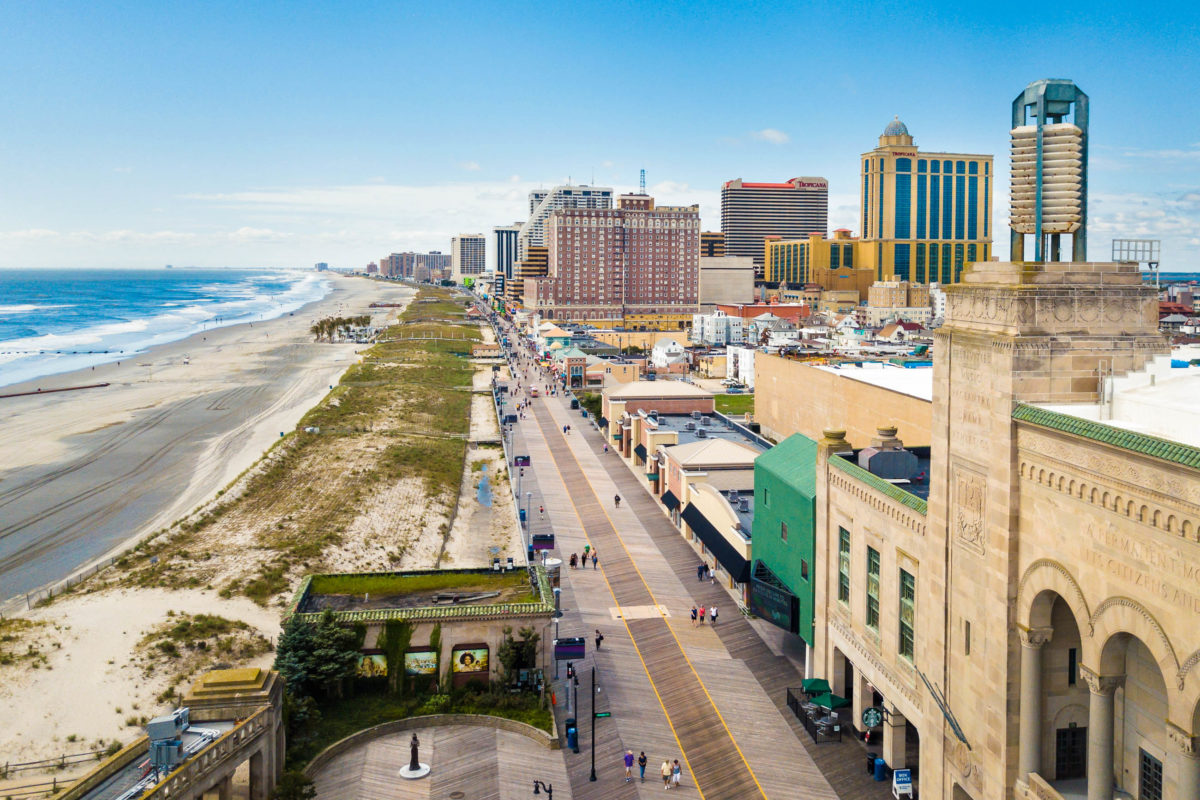 Die Sehenswürdigkeiten sind für viele Besucher, vor allem diejenigen unter 21 Jahren, Grund genug, um nach Atlantic City zu reisen, USA - © creativefamily / stock.adobe.com